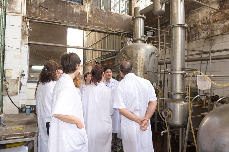 Chia sẻ trị liệu tự nhiên, y học cổ truyền với học viên Pháp